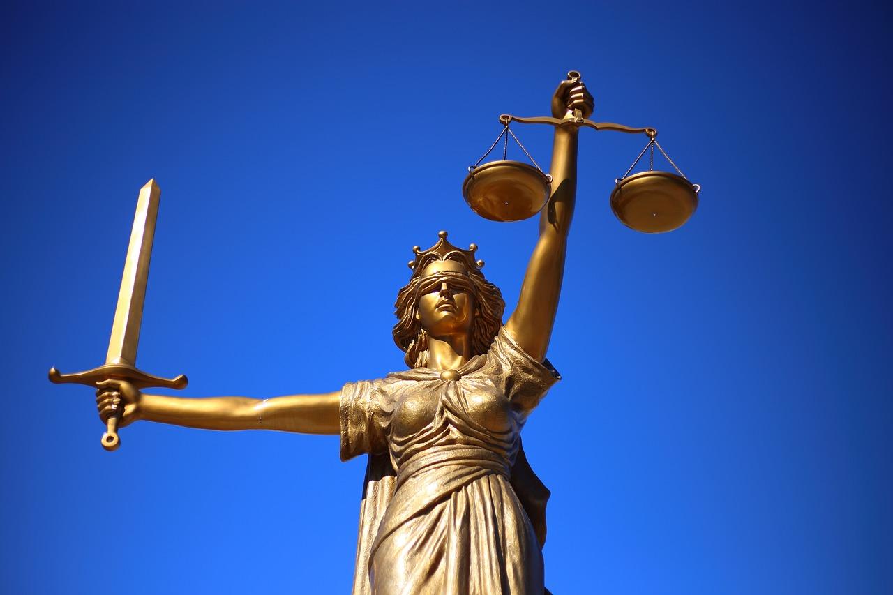 internet ügyvéd jog